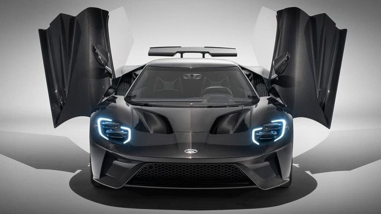 THE NEW AMERICAN SUPERCAR FORD GT
