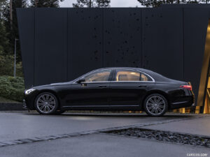 THE NEW LUXURY SEDAN MERCEDES-BENZ S